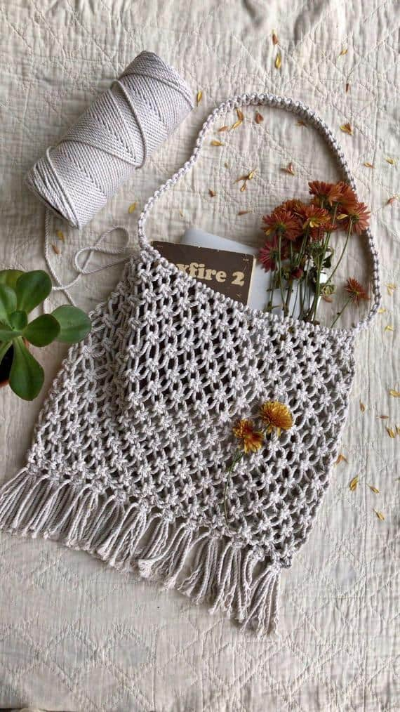 Macrame tote bag pattern from HouseSparrowNesting