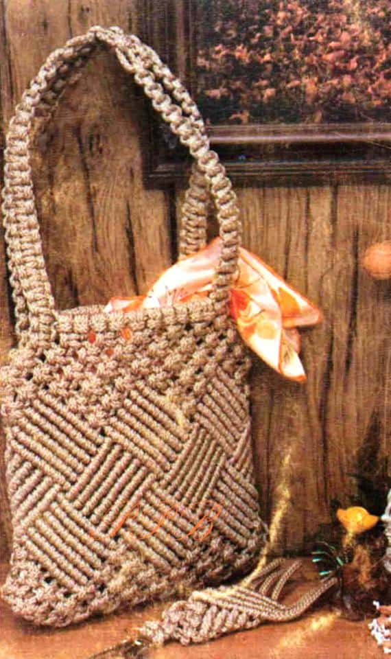 Vintage Macrame Shoulder Bag Pattern from PastPatternsBoutique